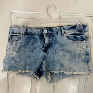 Denim cut off shorts with floral detail